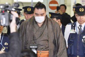 Sumo wrestler Harumafuji retires after public assault