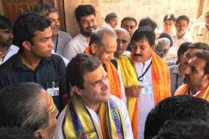 Congress on an upswing in Gujarat, but still behind BJP:Opinion polls