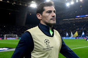 Iker Casillas wins 2017 Golden Foot award