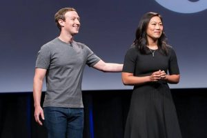 Zuckerberg, wife give $12M public service grant to Harvard