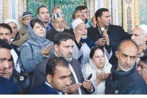 J&K shrine damaged in fire; Mehbooba Mufti, Mirwaiz assess damage