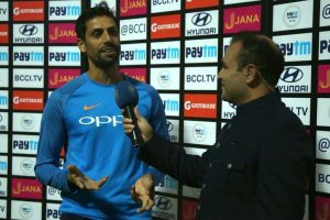 Ashish Nehra to sit alongside Virender Sehwag in commentary box?
