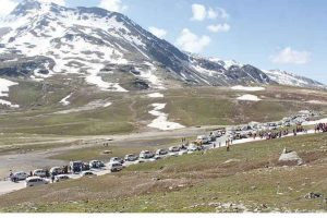 Official closing of Rohtang Pass postponed