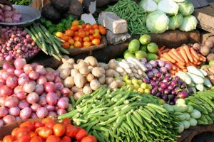 Tomato, onion prices shoot up; Delhi govt to check hoarding
