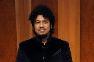 Papon 'barred forever' from Essel Group after kiss row