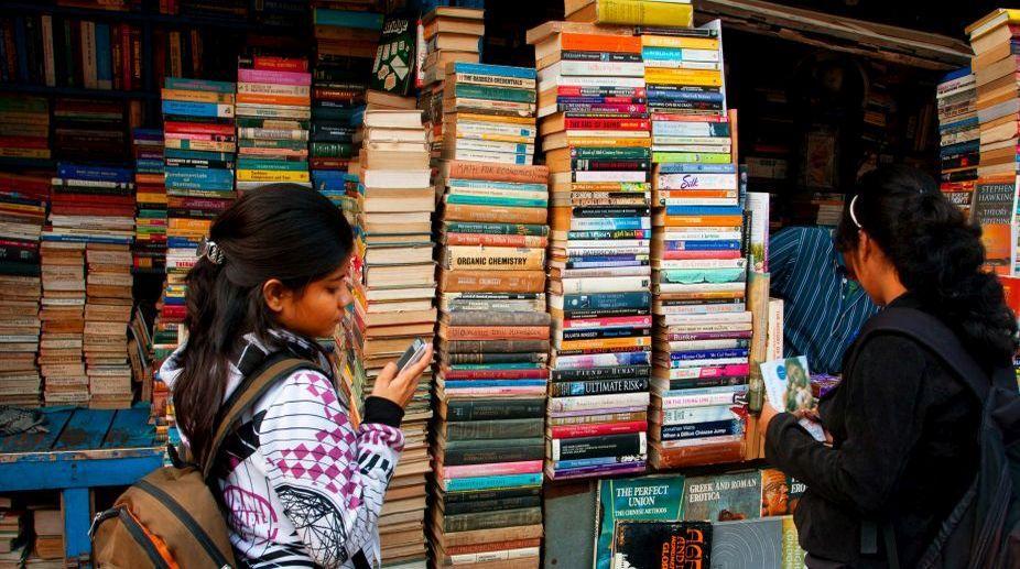 Bibliophiles throng World Book Fair, comic books, fables sees demand