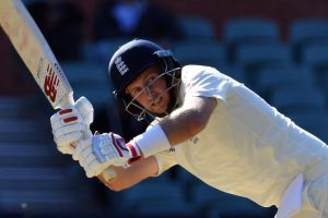 2nd Ashes Test: Cook, Stoneman depart as England strike early trouble