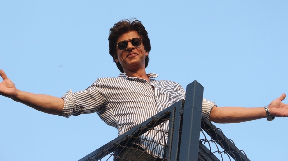 SRK promises to be fluent in Bengali, requests 'dhoti' for KIFF inaugural