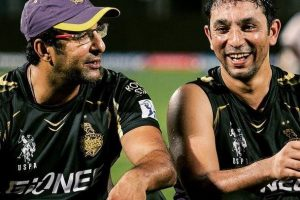 Give up bowling and focus on batting: Akram to Hafeez
