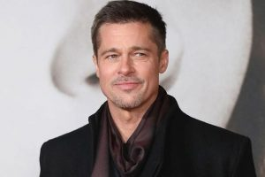 Brad Pitt bid $120,000 to watch 'GoT' with Clarke