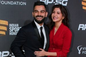 Anushka Sharma gets brutally trolled by Twitteratis for Kohli's performance in 1st Test match