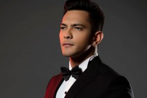 Won't work with music labels ever: Aditya Narayan