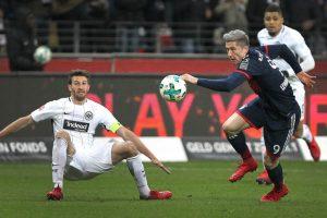 Bayern pip Frankfurt, Leipzig held in Bundesliga