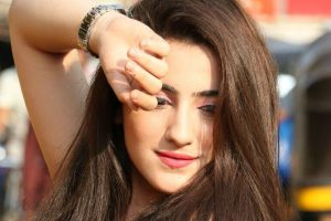 Girls are not meant to stay at home: Actress Diana Khan