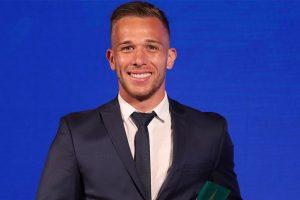 Real Madrid join race to sign Gremio midfielder Arthur