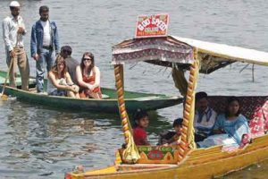 Centre to promote tourism in J&K under its 'Incredible India' campaign