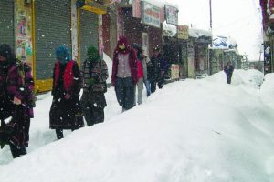 Himachal tribals on winter sojourn