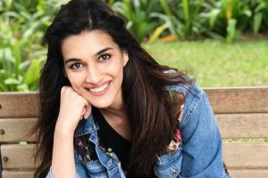 Kriti Sanon joins Akshay Kumar, Riteish Deshmukh in Sajid Khan's 'Housefull 4'