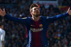 Barcelona dominate 10-man Real Madrid in Clásico to open up 9-point lead
