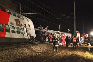 Three killed, 100 injured in Italy train crash