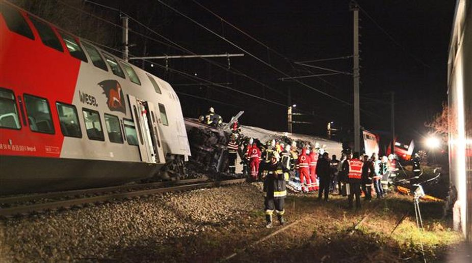 Rome, killed, injured, Italy, train, crash