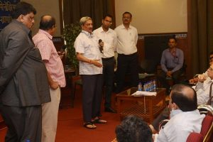You will die of pollution, if you fall in Goan river, Parrikar tells activist