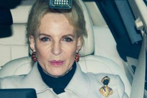 British Princess apologises for wearing 'racist' brooch