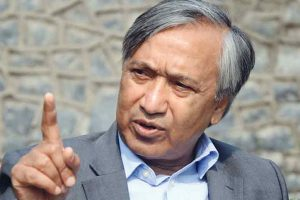 Tarigami accuses PDP-BJP govt of hoodwinking people