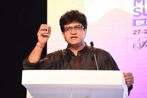 TV debates resulting in 'language extremism': Prasoon Joshi