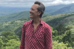 'GoT' star Richard E. Grant robbed at an ATM