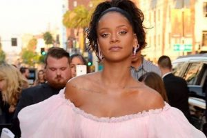 Rihanna sparks engagement rumours