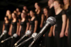 Singing carols can make you happy, boost mental health