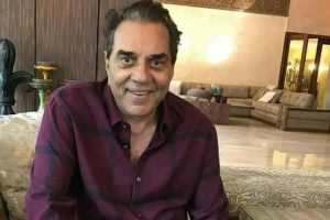 Film industry today is like 'sabzi mandi': Dharmendra