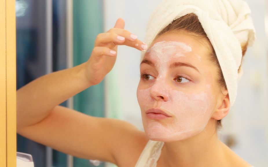 Use natural moisturisers, masks in winter to fight dry skin