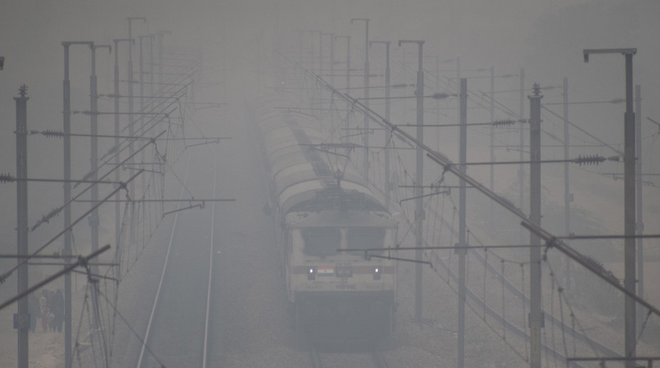 trains cancelled, Delhi Weather, Fog, weather office