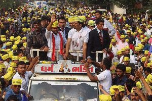 Hardik Patel claims he was offered Rs. 5 cr to skip Sunday's Surat rally