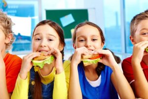 Kids who eat healthier food have better self-esteem