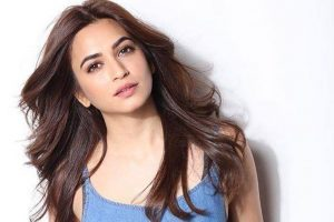 Kriti learns garba for 'Yamla Pagla Deewana…'