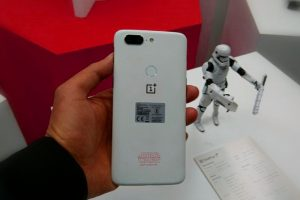 OnePlus 5T Star Wars Limited Edition priced at Rs. 38,999; Launch offers and more