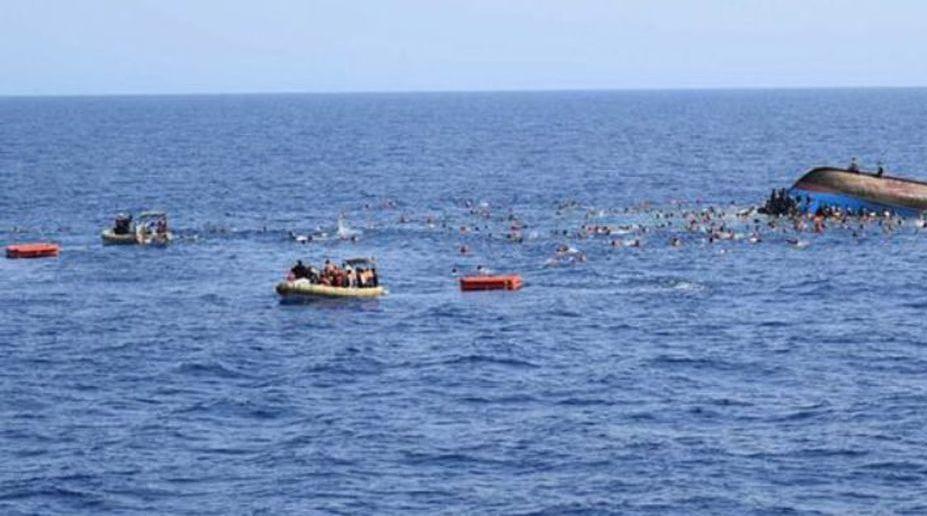 Ship sinks off Shanghai coast, 10 missing