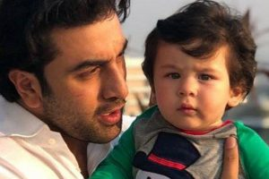 Li'l Nawab Taimur steals the spotlight from Kapoor clan on their Christmas brunch