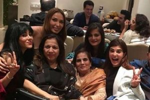 Salman Khan celebrates mother Salma's birthday with family and friends