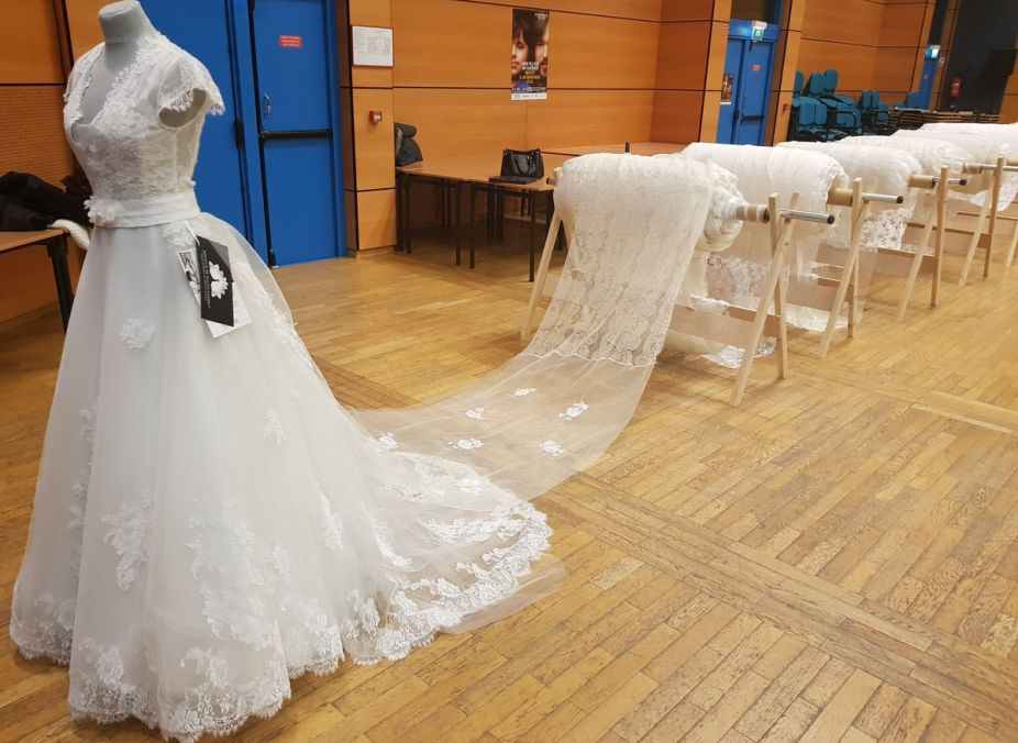 Wedding Dress, Guinness Record, France