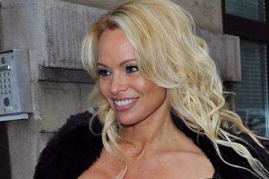 Pamela Anderson leasing Malibu home