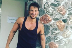 Peter Andre, family take to French Alps