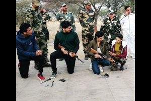 'Aiyaary' team celebrates Republic Day with BSF Jawan