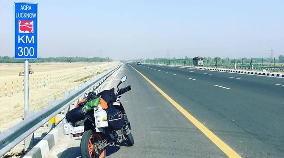 Lucknow, Uttar Pradesh, Agra-Lucknow Expressway