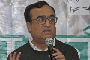 Delhi Cong chief alleges Rs 1000 crore water scam