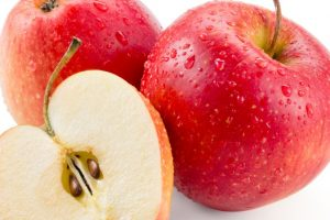 Woman air passenger fined $500 in US for carrying apple!