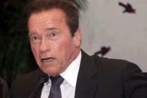 Schwarzenegger finds Eliza Dushku 'courageous'